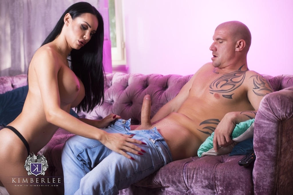 Kimberlee gets a taste and a massive pounding from max born s